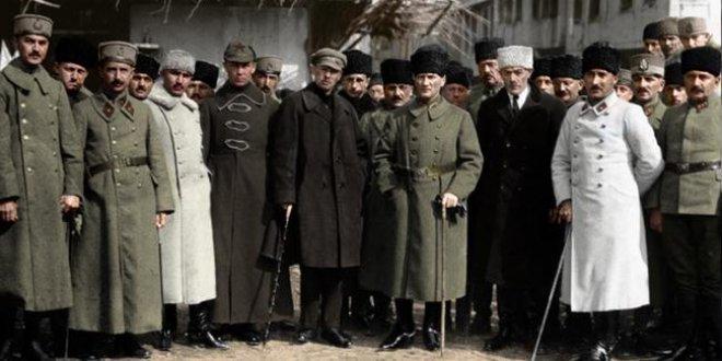 Atatürk'ün o fotoğrafı ilk kez renklendirildi