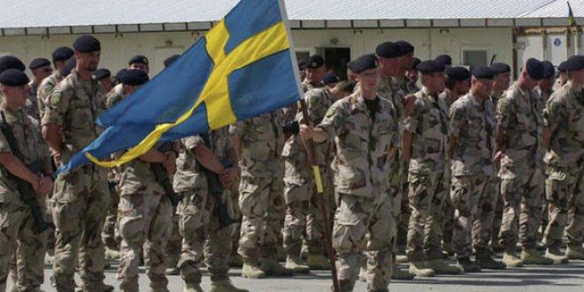 Rusya'ya karşı 'Savaşa hazırlıklı olun' broşürü