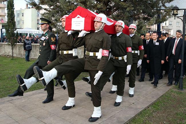 Şehit Binbaşı'yı Ordu'da 10 bin kişi dualarla uğurladı