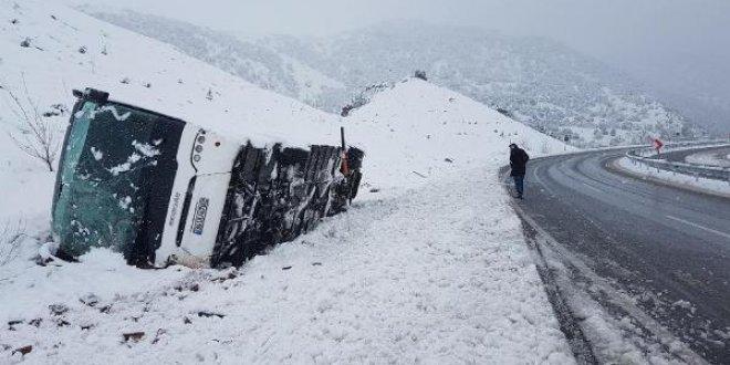 3 şehirde 3 otobüs kazası: 6 ölü, 80 yaralı...