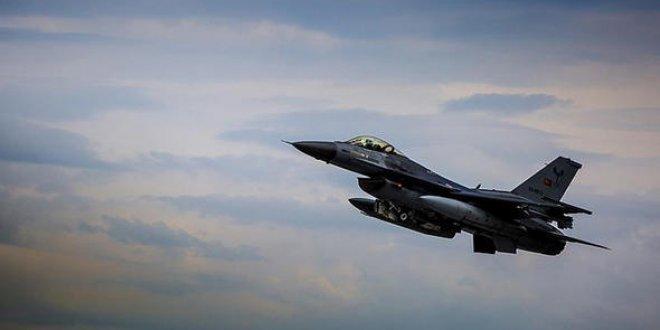 Kahraman Türk pilot Afrin'de imkansızı başardı