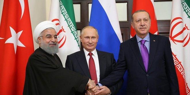 """Ruhani: """"Türkiye-İran-Rusya işbirliği nihai zafere kadar sürmeli"""""""