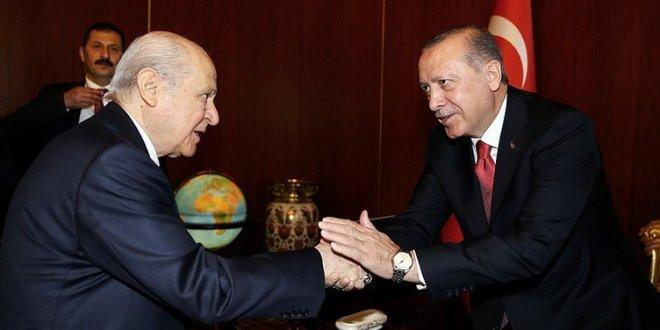Erdoğan ve Bahçeli ittifak için bir araya gelecek