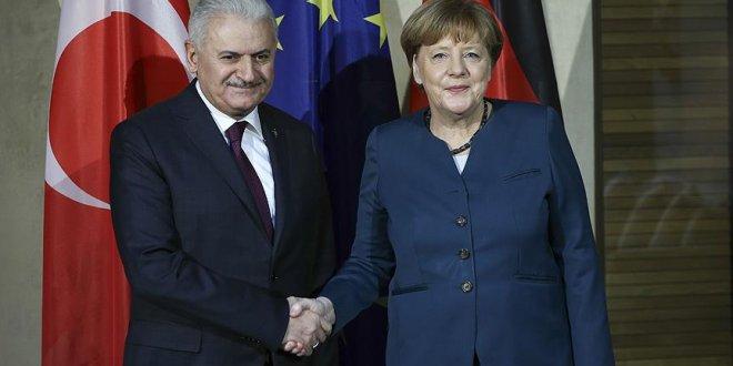 Yıldırım, Merkel ile görüşecek