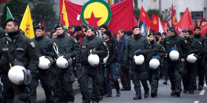 Almanya PKK gösterilerini yasakladı