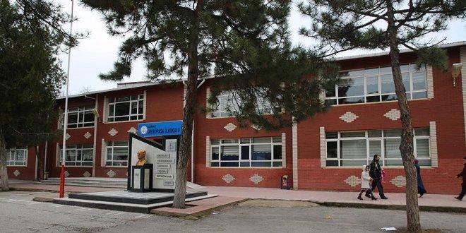 Okul çevresinde amaçsız bekleyene para cezası