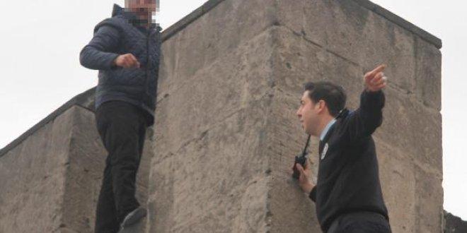"""Kayseri'de intihar girişimi: """"Atla"""""""