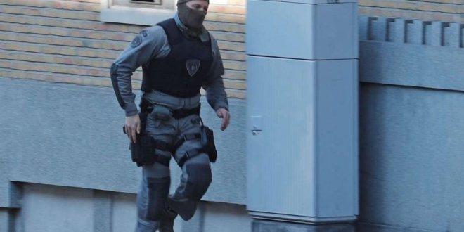 Brüksel'de silahlı saldırı paniği