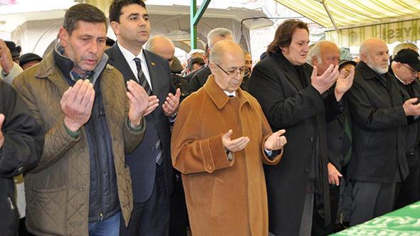 Ahmet Necdet Sezer, cenazeye katıldı