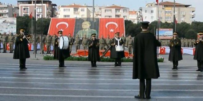 Askerin yemin töreninde 'Diriliş Ertuğrul' müziği