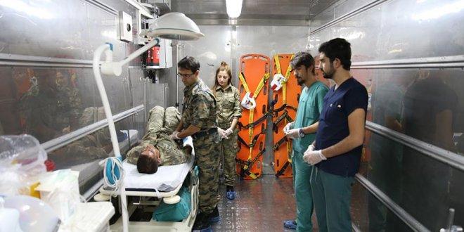 Sınıra seyyar ilkyardım hastanesi