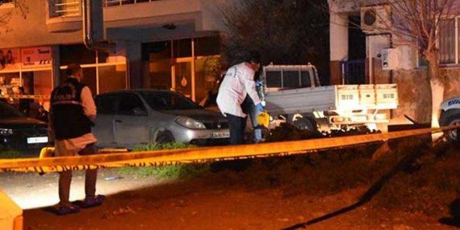İzmir'de asker kaçağı polisleri bıçakladı