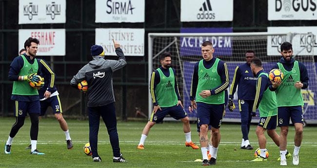 Fenerbahçeli taraftarlardan oyunculara tam destek