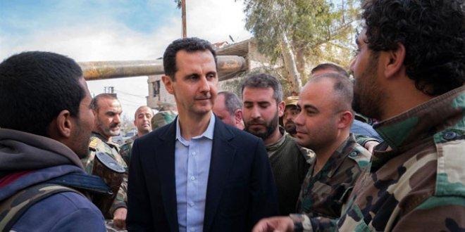 Esad uzun zaman sonra orada ortaya çıktı