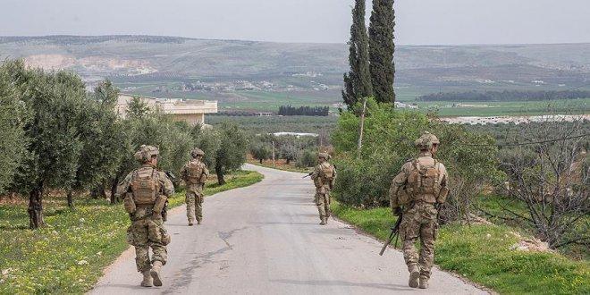 Afrin'de halk 15 teröristi TSK'ya teslim etti
