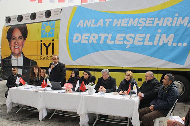 İYİ Parti Sarıyer'de vatandaşı dinledi