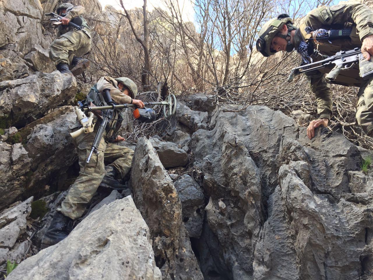 Komandoların sınır ötesi operasyonunda 55 terörist öldürüldü