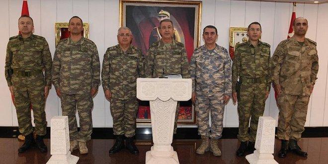 Akar: Bölücü terör örgütüne ağır kayıplar verdirildi