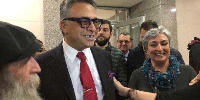 Barbaros Şansal'ın giriş yasağı kaldırıldı