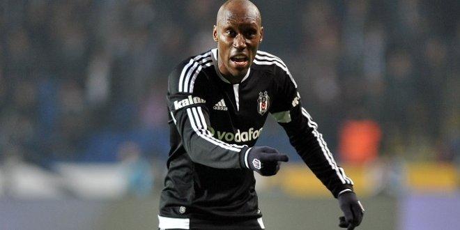 Atiba Hutchinson, 2020'ye kadar Beşiktaş'ta