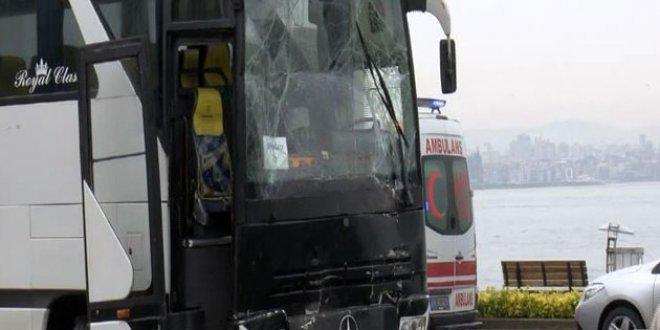 Öğrenci taşıyan iki otobüs çarpıştı!
