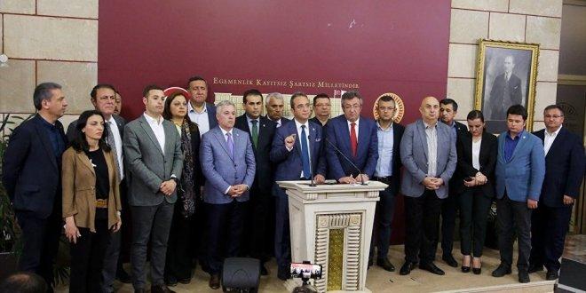 """İYİ Parti'ye geçen Arık: """"Yaşasın Cumhuriyet"""""""
