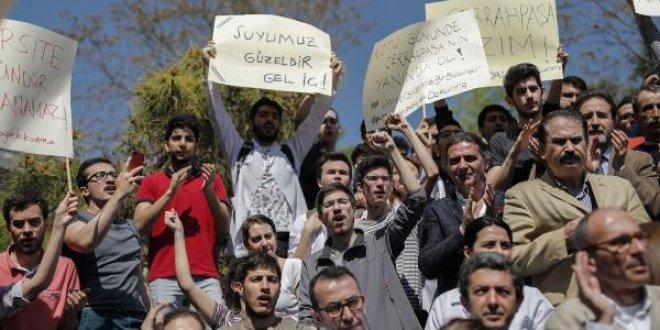"""Beyazıt Meydanı'nda """"Bölünme"""" protestosu"""