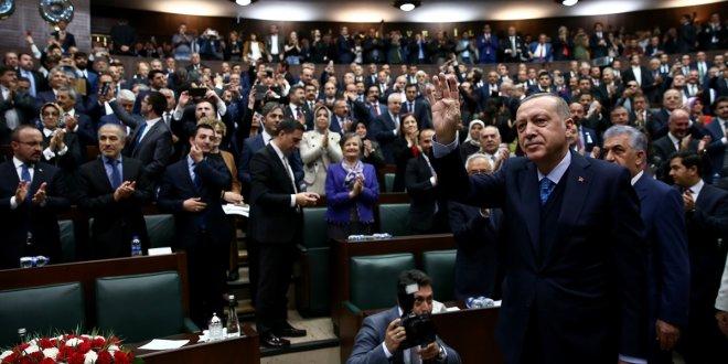 AKP 3 dönem kuralını esnetecek