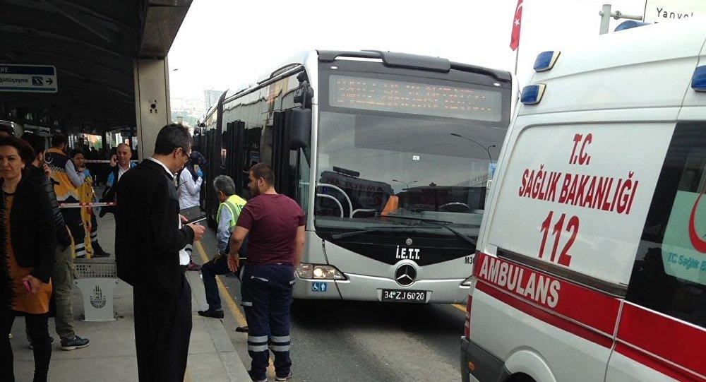 Esenyurt'ta çocuğa metrobüs çarptı