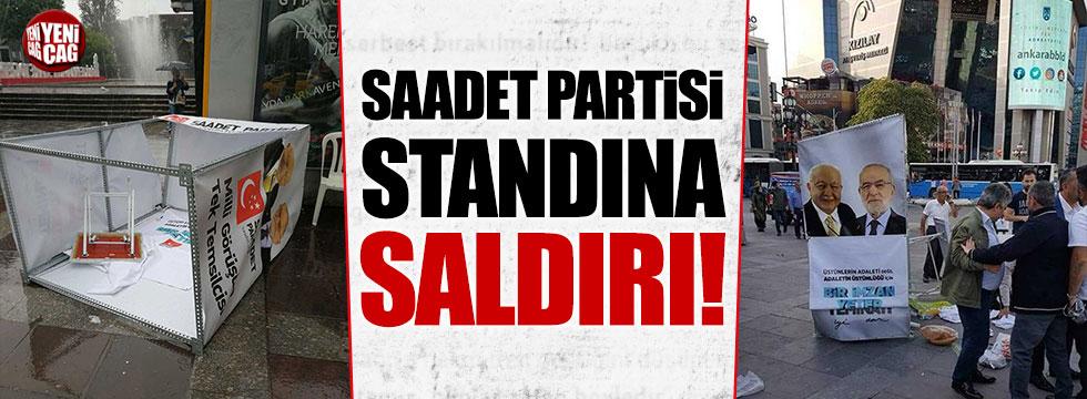 Saadet Partisi'nin standına saldırı