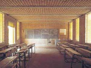 İlköğretim okuluna çirkin saldırı