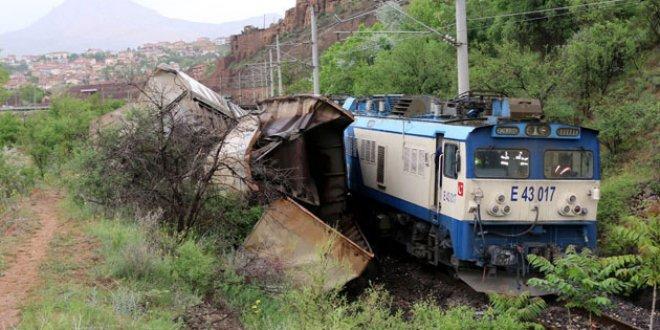 Malatya'da yük trenleri çarpıştı