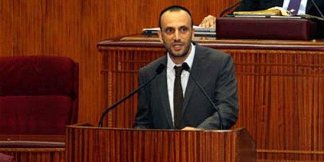 KKTC Çalışma Bakanı Zeki Çeler uçağa alınmadı