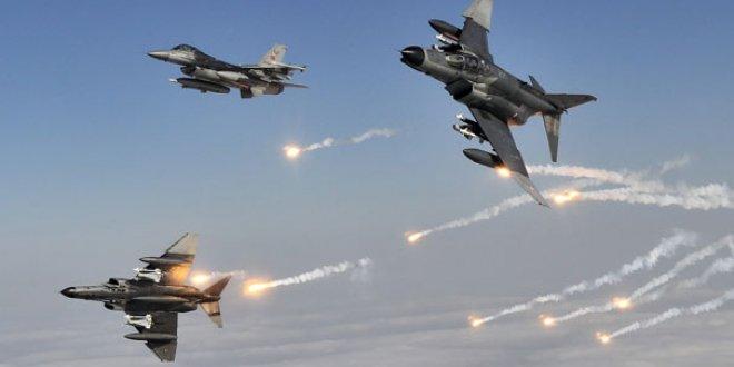 Kuzey Irak'ta 12 hedef imha edildi