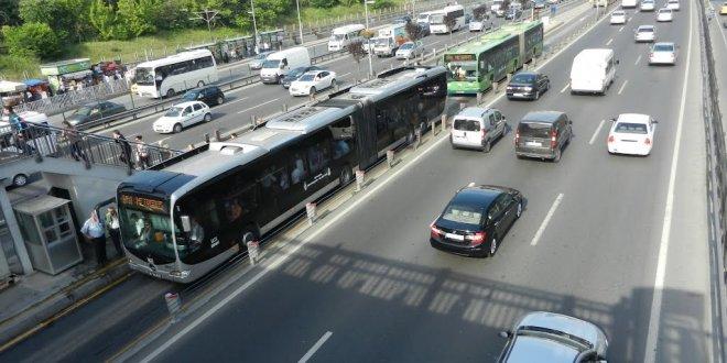 Metrobüs durağında sigara içene ceza