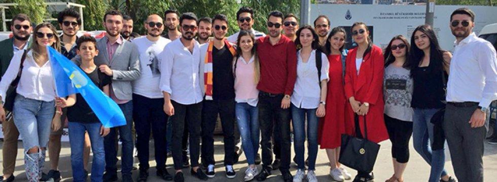 İYİ Parti'li gençler 19 Mayıs'ı böyle kutladı
