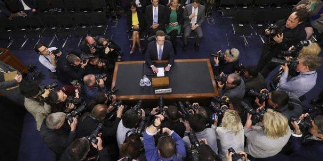 Zuckerberg'in ifadesi canlı yayınlanacak!