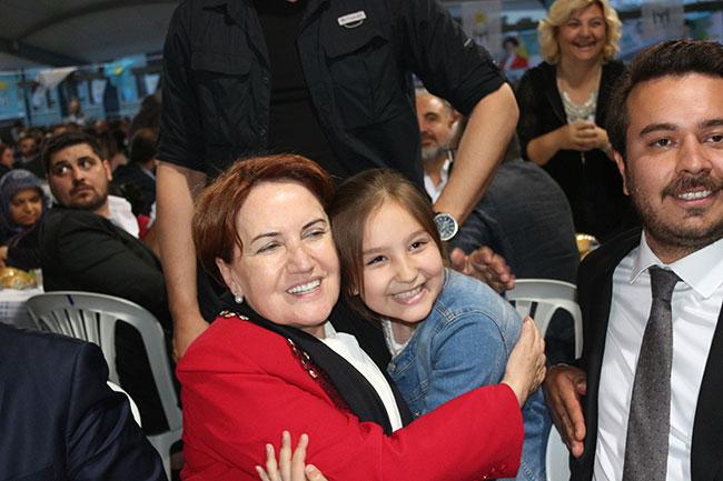 Akşener, Ankara milletvekili adaylarını tanıttı