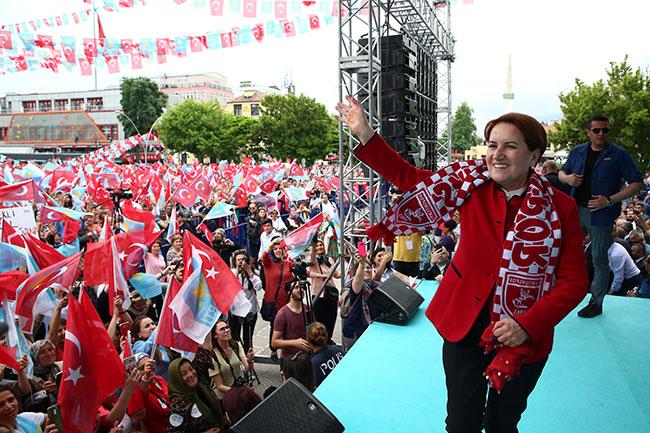 Samsun'da Meral Akşener izdihamı
