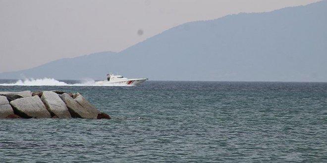 Ayvalık'ta kayıp 4 balıkçı aranıyor