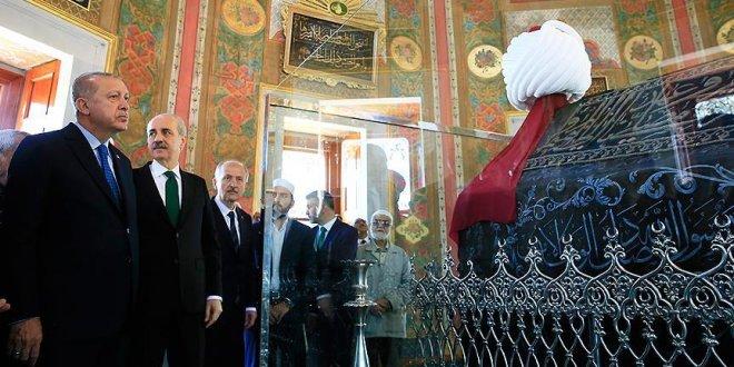 Fatih Sultan Mehmet'in türbesini açıldı