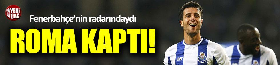 Fenerbahçe'nin istediği Marcano'yu Roma kaptı