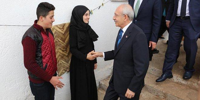 Kılıçdaroğlu'ndan burs verdiği öğrenciye ziyaret