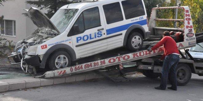 Miting dönüşü polisler kaza yaptı:16 yaralı
