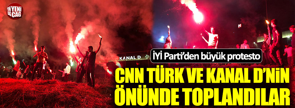 İYİ Parti'den Kanal D ve CNN Türk önünde protesto