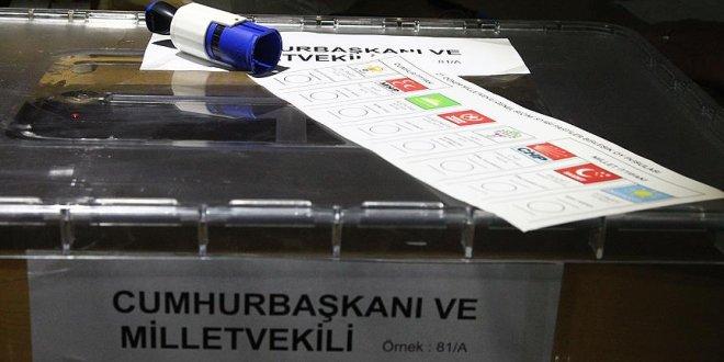 Gümrük ve sınırlarda oy verme başladı