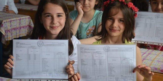 18 milyon öğrenci karnelerini alıyor
