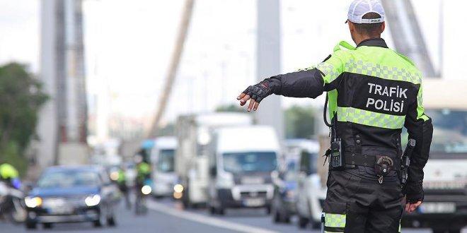 Antalya'da sürücülere 'sosyal medya' cezası