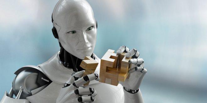 İngiltere'de robot doktor ve hemşire önerisi