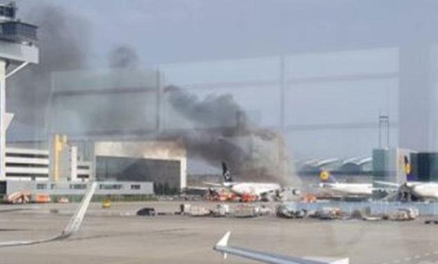 Frankfurt Havalimanı'nda yangın